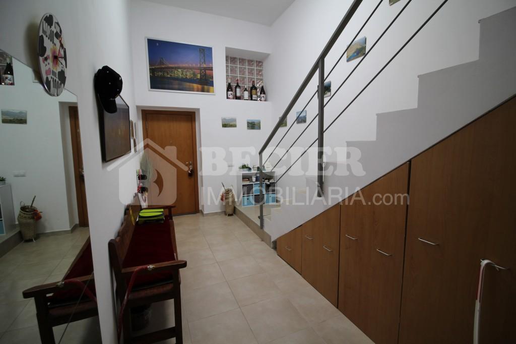 Casa adossada en venda a Aixirivall, 3 habitacions, 395 metres