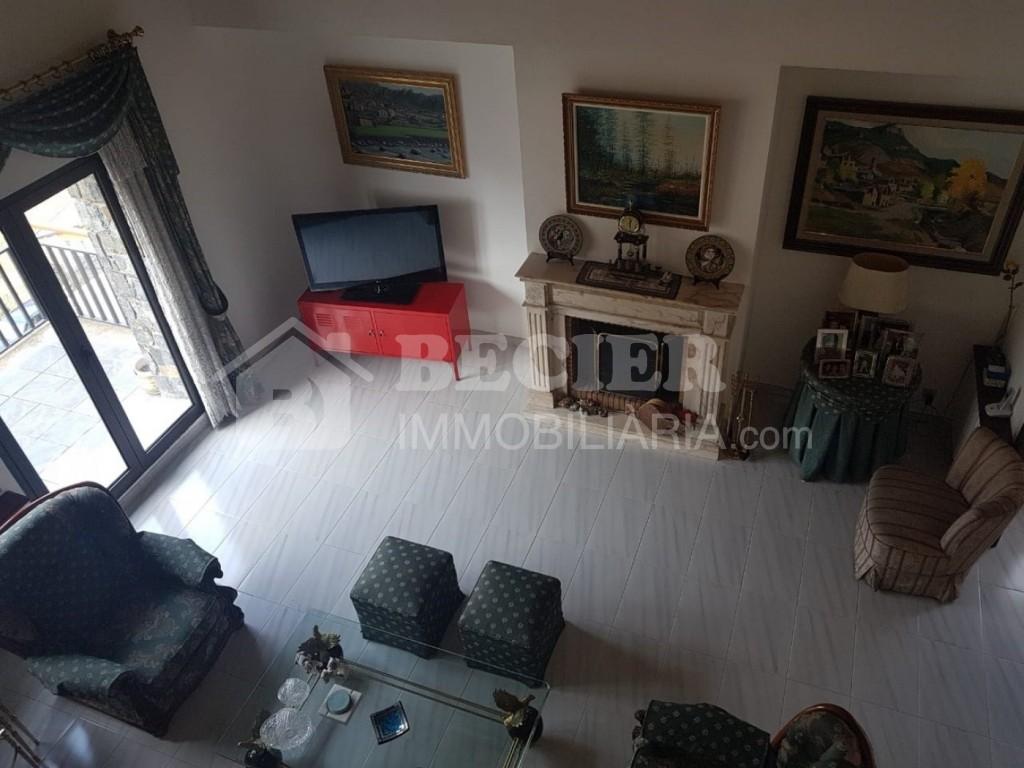 Casa adossada de lloguer a Escaldes Engordany, 5 habitacions, 350 metres