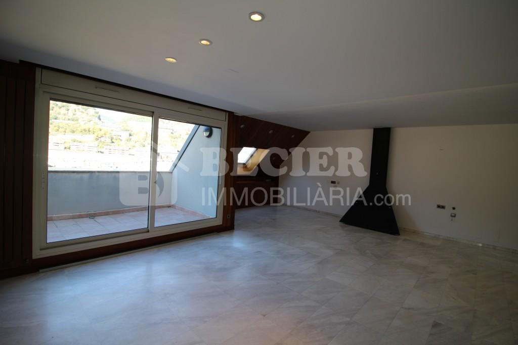 Àtic en venda a Andorra la Vella, 3 habitacions, 140 metres