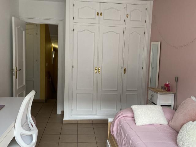 Casa adossada en venda a Escaldes Engordany, 4 habitacions, 387 metres