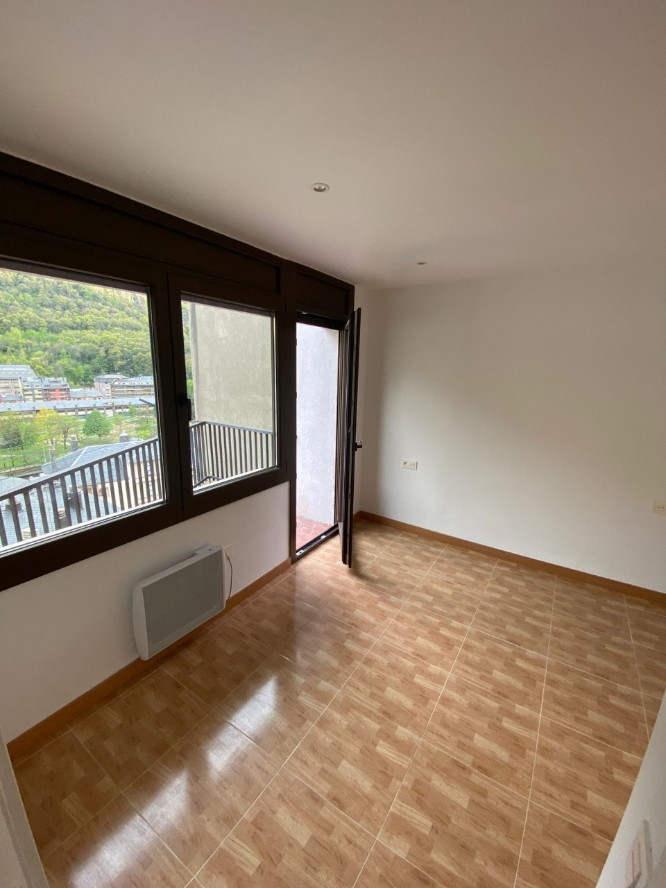 Pis de lloguer a Andorra la Vella, 2 habitacions, 105 metres