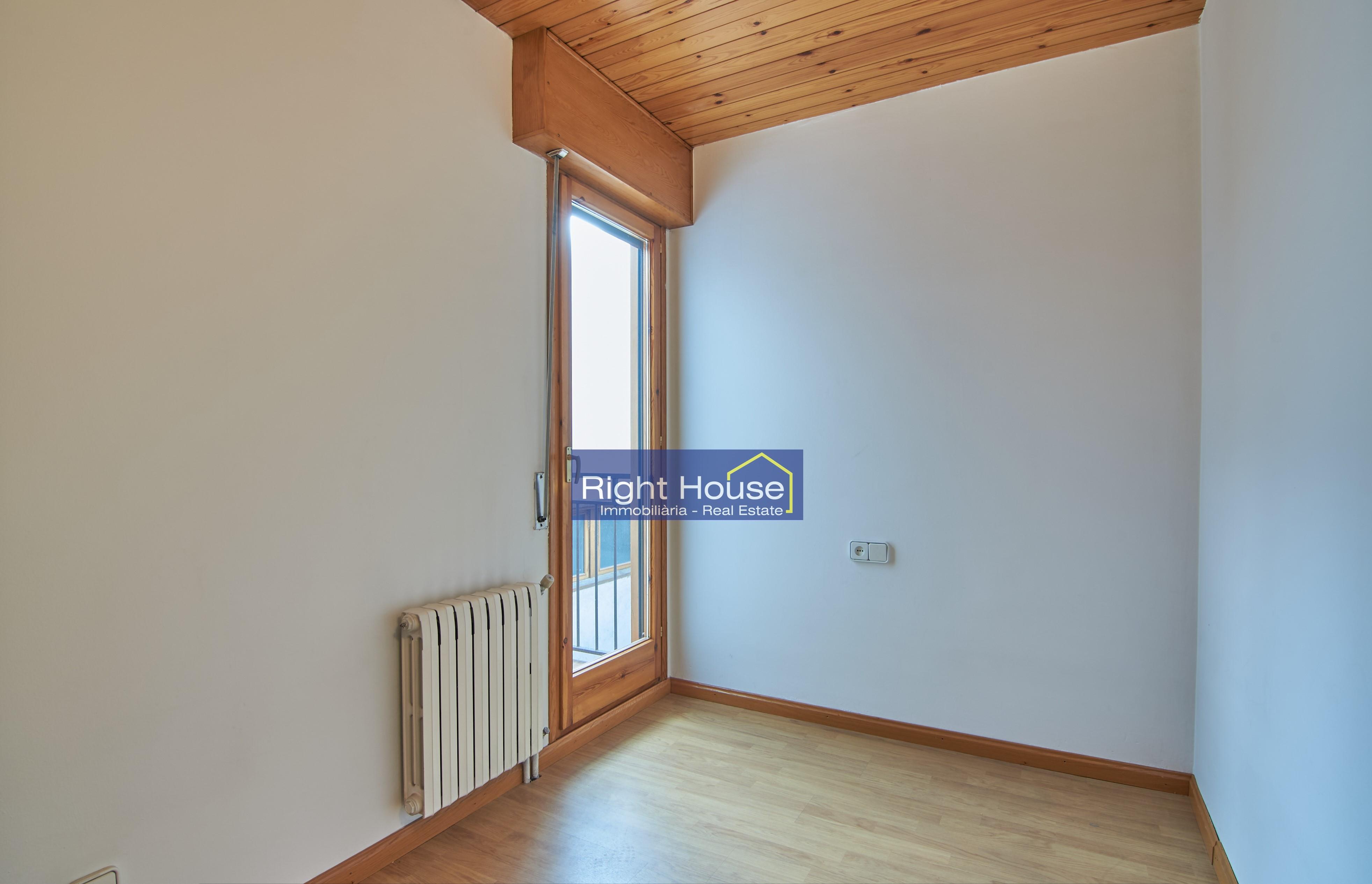 Àtic en venda a Andorra la Vella, 4 habitacions, 127 metres
