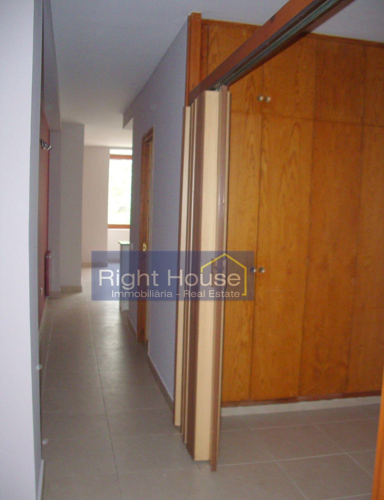Pis de lloguer a Escaldes Engordany, 1 habitació, 60 metres