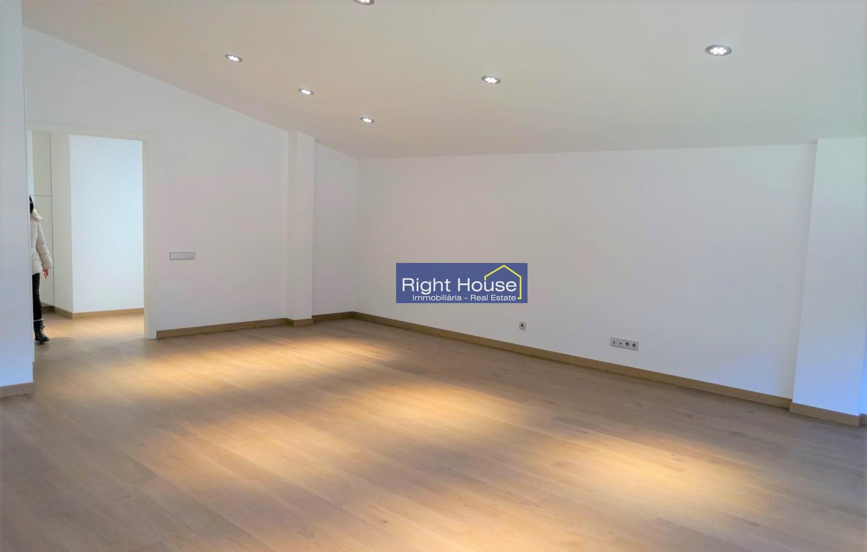 Àtic en venda a Vila, 3 habitacions, 205 metres