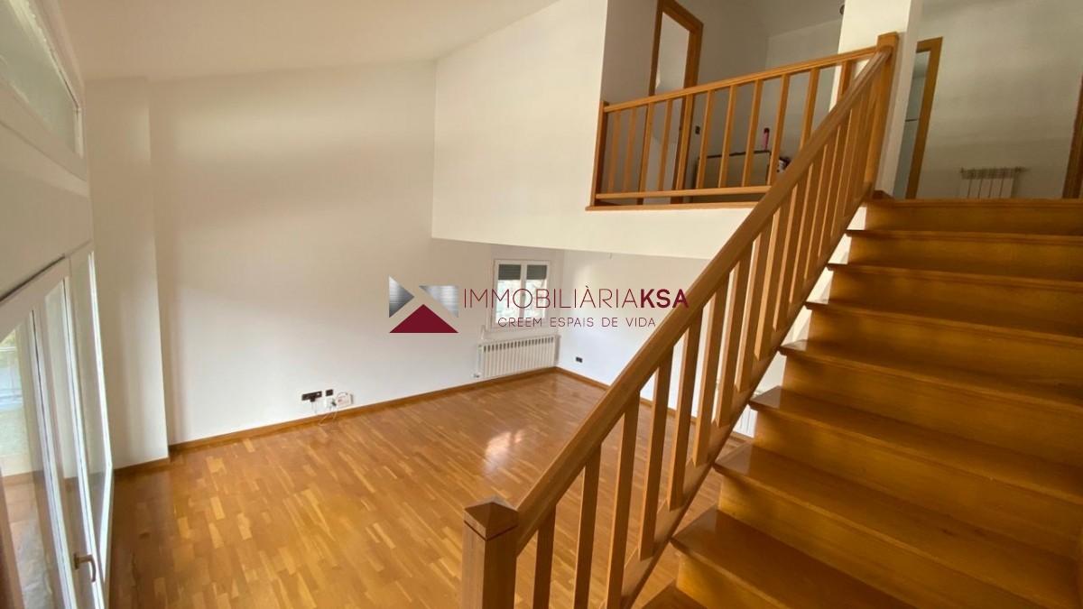 Àtic de lloguer a Escaldes Engordany, 3 habitacions, 145 metres