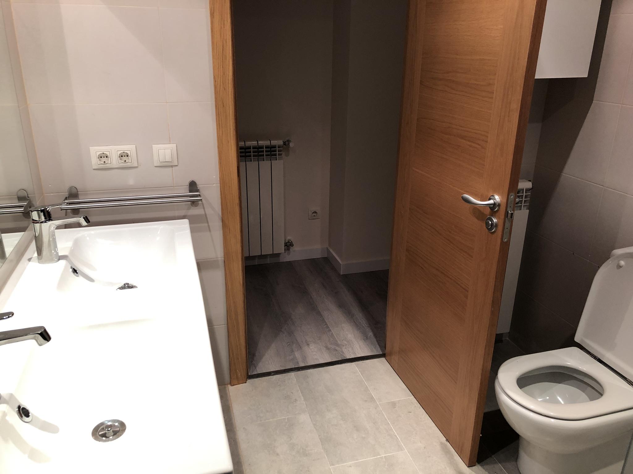 Pis en venda a Erts, 2 habitacions, 81 metres