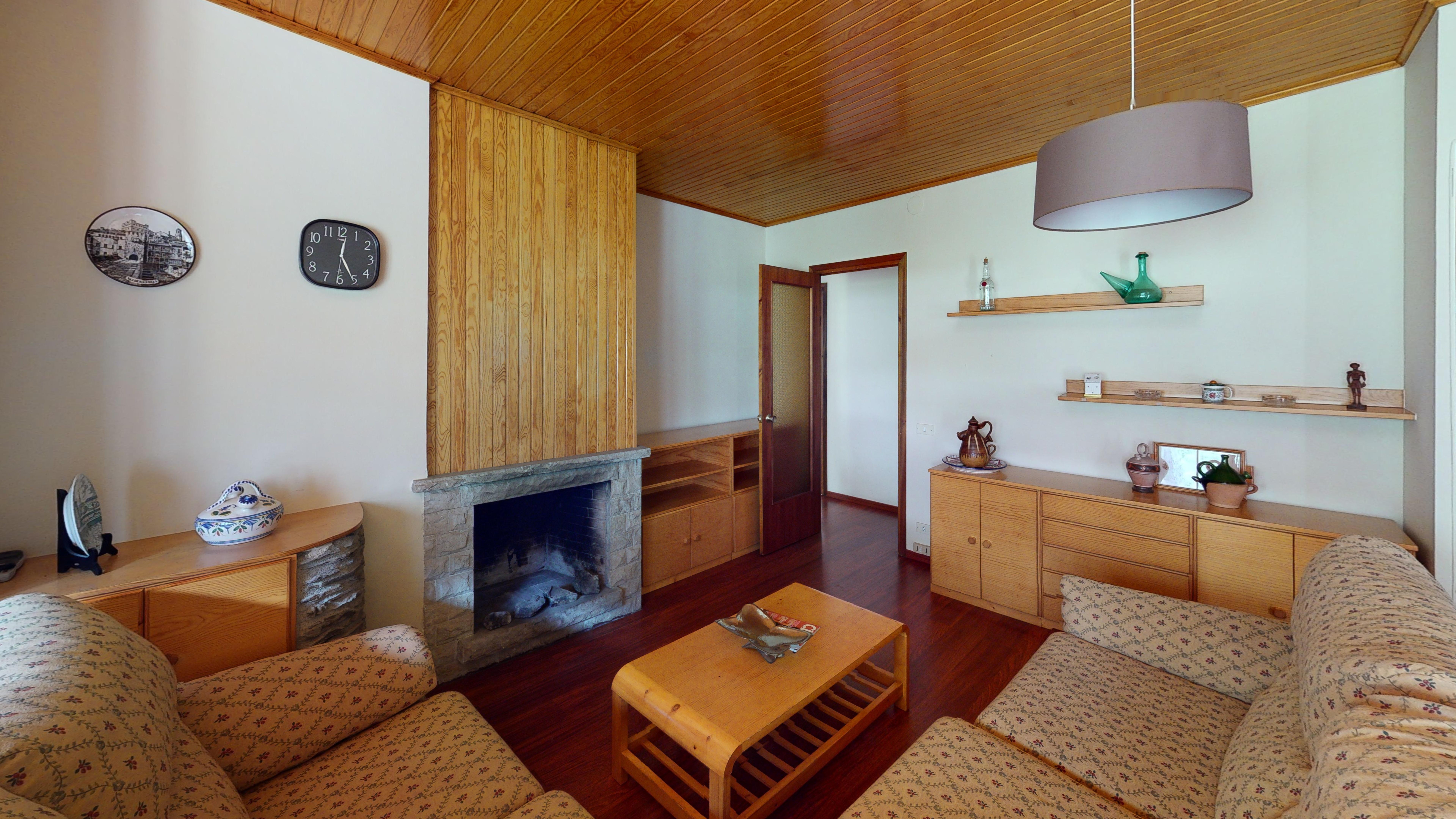 Pis en venda a Arinsal, 3 habitacions, 80 metres