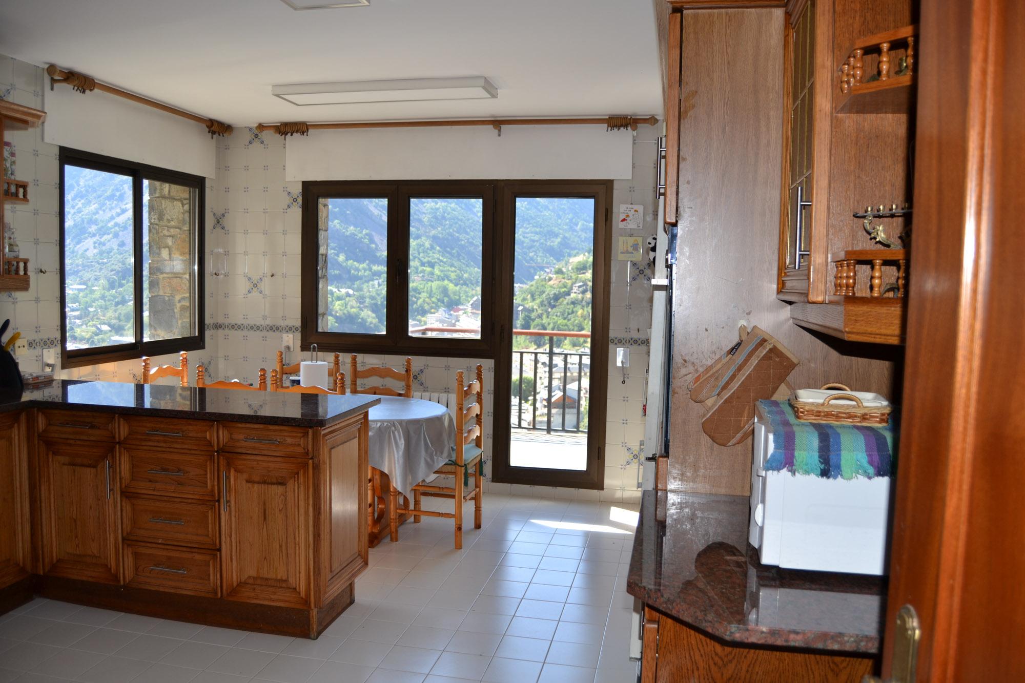 Xalet de lloguer a Escaldes Engordany, 5 habitacions, 342 metres