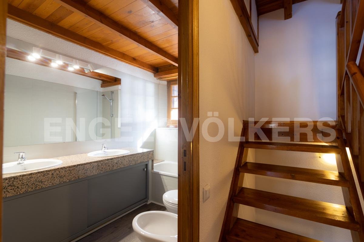 Casa adossada en venda a Arans, 4 habitacions, 158 metres