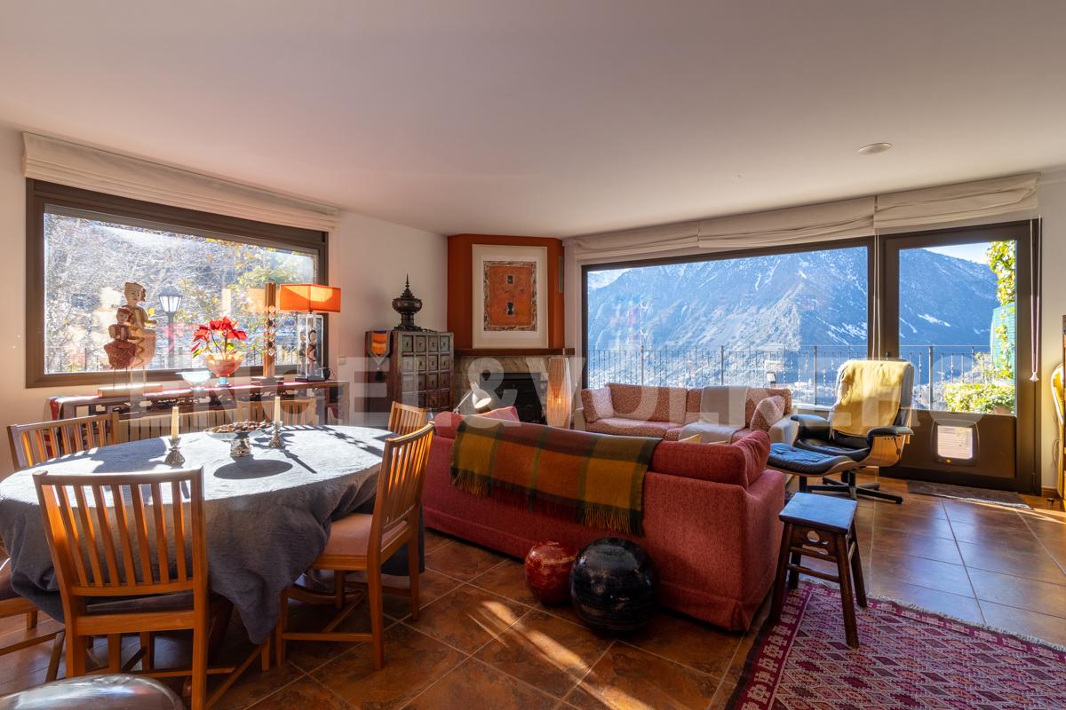 Casa adossada en venda a Escaldes Engordany, 4 habitacions, 320 metres